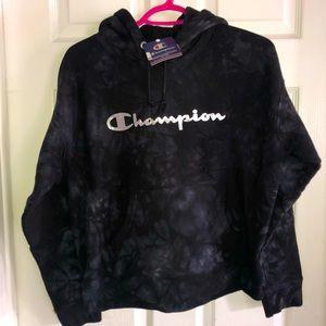 Black tie dye champion hoodie 🖤🤍